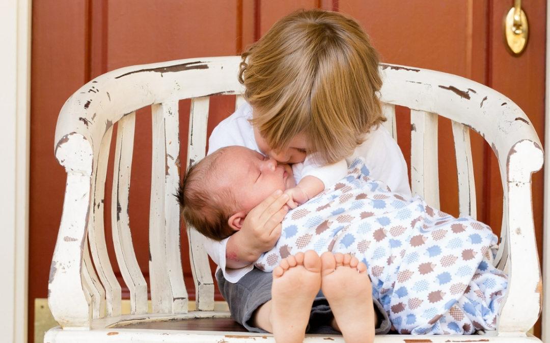 Comment pratiquer l'allaitement mixte avec un bébé allaité ?