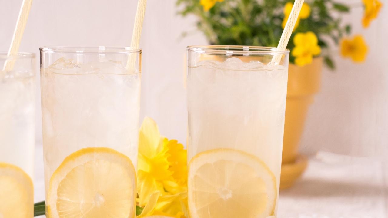 les sodas contiennent beaucoup de sucres, pendant l'allaitement il est préférable d'en limiter la consommation